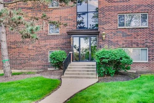 630 Perrie Unit 202, Elk Grove Village, IL 60007