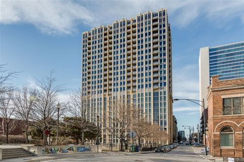 700 N Larrabee Unit 1406, Chicago, IL 60654 River North