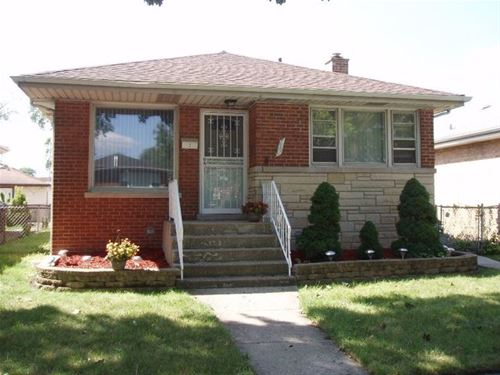 130 Hyde Park, Bellwood, IL 60104