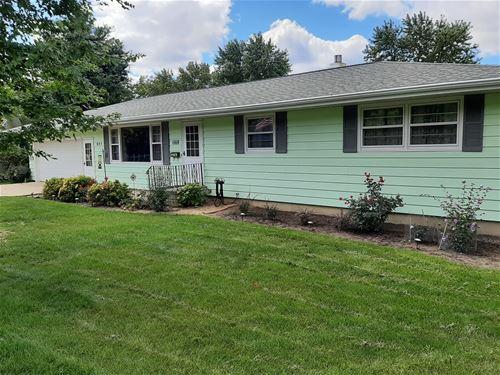 927 Birchwood, Sycamore, IL 60178