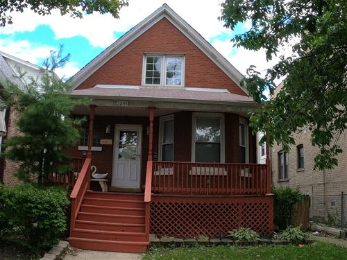 2205 N Kedvale, Chicago, IL 60639 Hermosa
