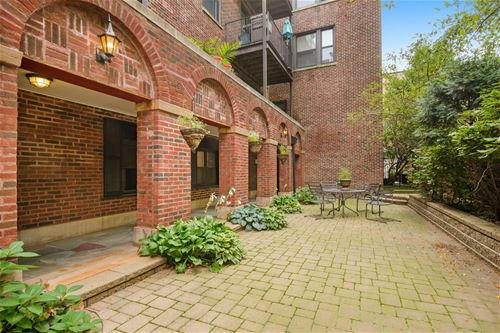 643 W Roscoe Unit B1, Chicago, IL 60657 Lakeview