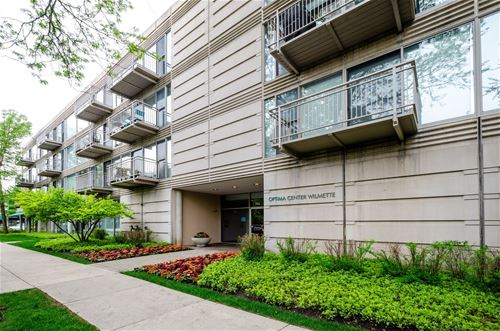 705 11th Unit 301, Wilmette, IL 60091
