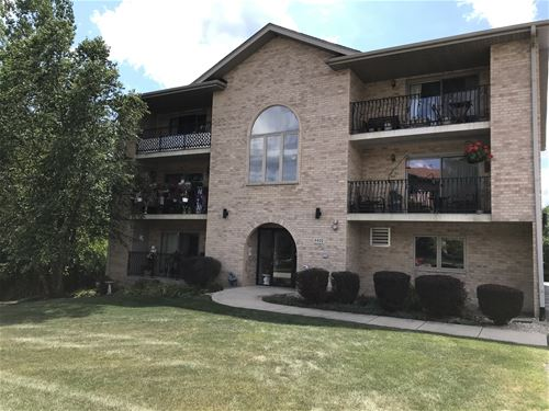 4400 Pershing Unit 3S, Downers Grove, IL 60515