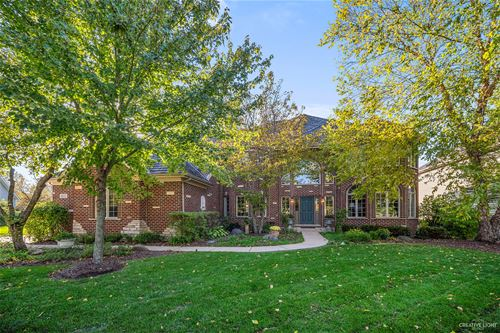 802 Waters Edge, South Elgin, IL 60177