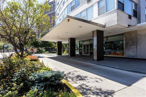 3900 N Lake Shore Unit 8E, Chicago, IL 60613 Lakeview