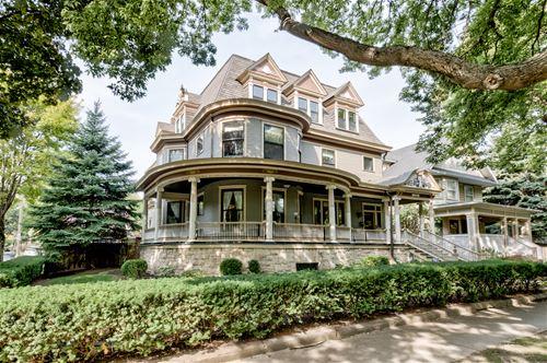139 S Grove, Oak Park, IL 60302