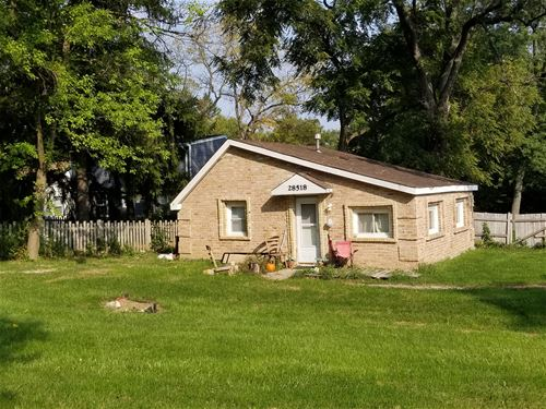 28518 W Chamberlain, Barrington, IL 60010