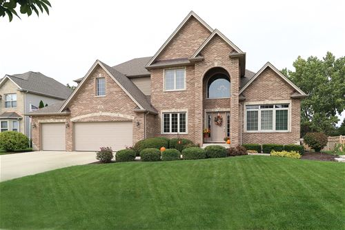 26049 Whispering Woods, Plainfield, IL 60585