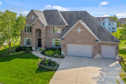 26102 Whispering Woods, Plainfield, IL 60585