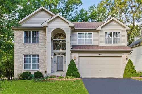 1888 S Waxwing, Libertyville, IL 60048