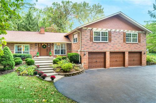 837 Hawthorne, Libertyville, IL 60048