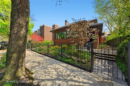 819 W Castlewood, Chicago, IL 60640