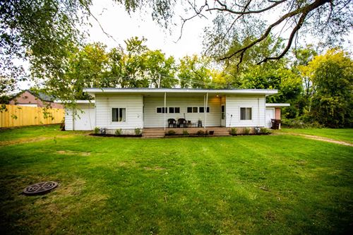 119-121 Cairns, Woodstock, IL 60098