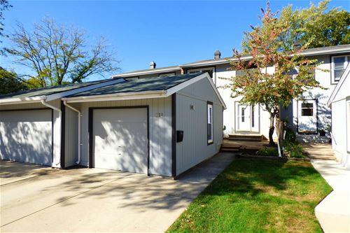 219 Pinewood, Bloomingdale, IL 60108