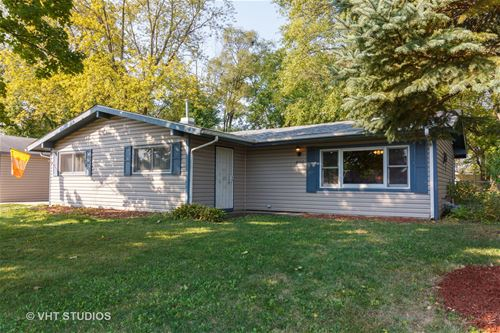 806 Parkside, Streamwood, IL 60107