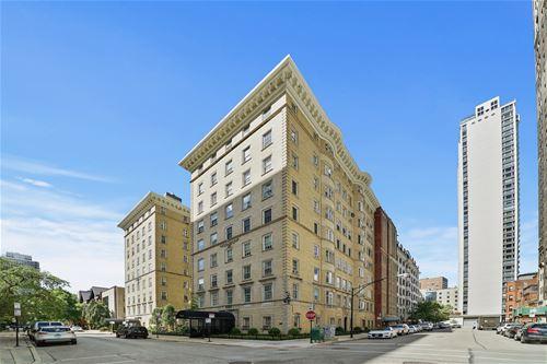 70 E Scott Unit 306, Chicago, IL 60610 Gold Coast