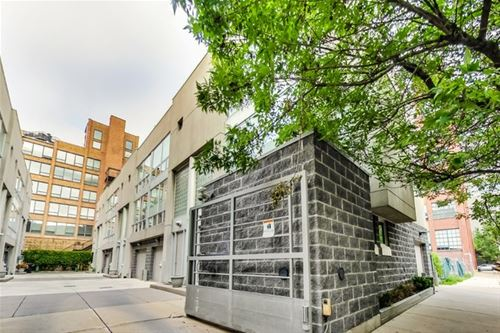 680 N Peoria Unit D, Chicago, IL 60642 River West