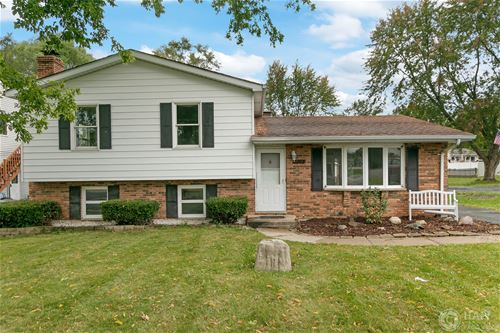 332 Maplewood, Antioch, IL 60002