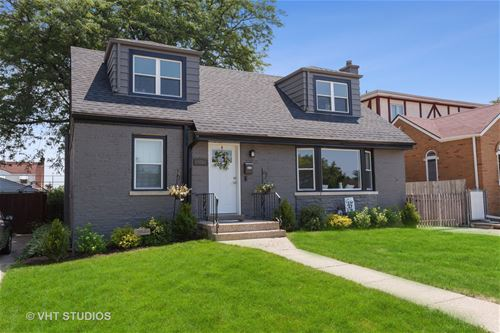 1641 Newcastle, Westchester, IL 60154