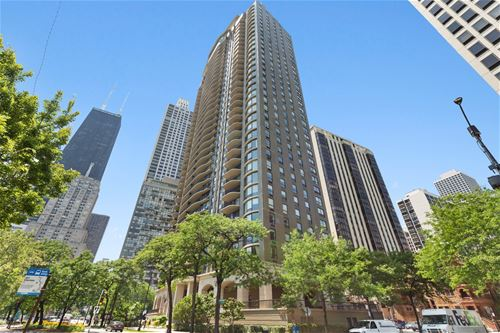 1040 N Lake Shore Unit 9B, Chicago, IL 60611 Gold Coast