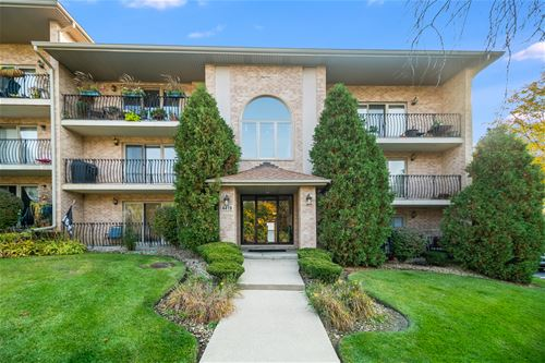 4419 Pershing Unit 202, Downers Grove, IL 60515