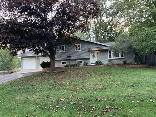 5606 S Pershing, Downers Grove, IL 60516