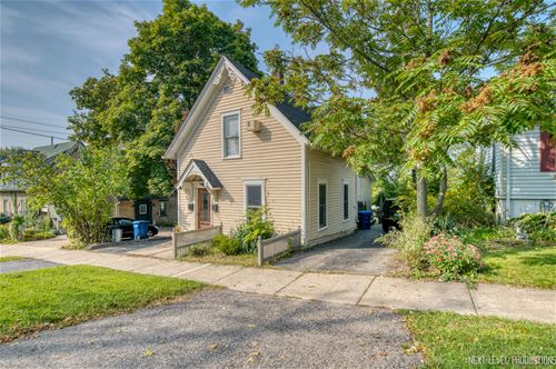 211 2nd, St. Charles, IL 60174