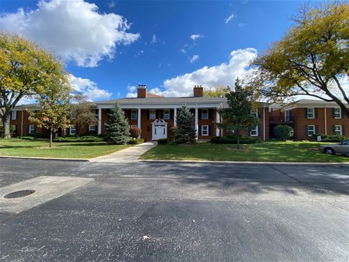 511 Coventry Unit 1, Crystal Lake, IL 60014