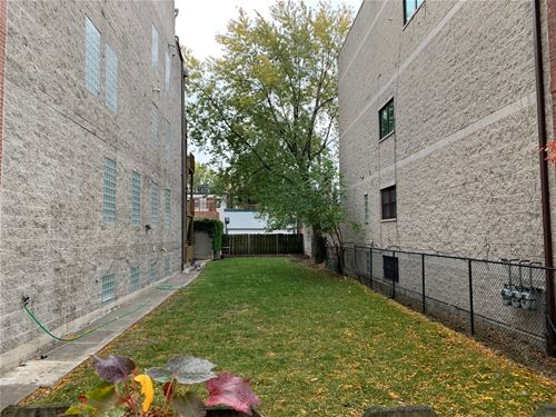 1631 N Oakley, Chicago, IL 60647 Bucktown