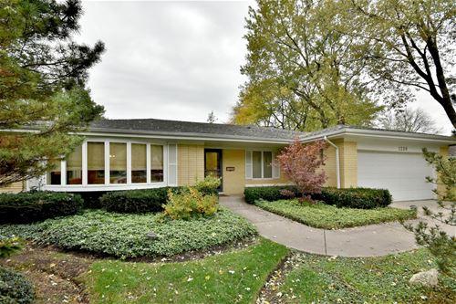 1238 Pine, Glenview, IL 60025