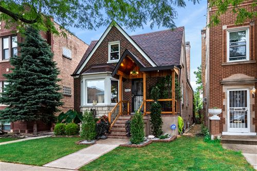 4941 N Marmora, Chicago, IL 60630 Jefferson Park