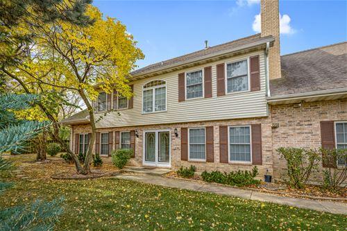 1558 Laurel Oaks, Streamwood, IL 60107