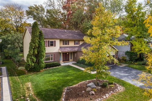 8405 Autumn, Woodridge, IL 60517