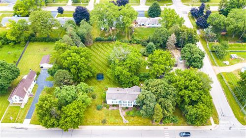383 S Mchenry, Crystal Lake, IL 60014