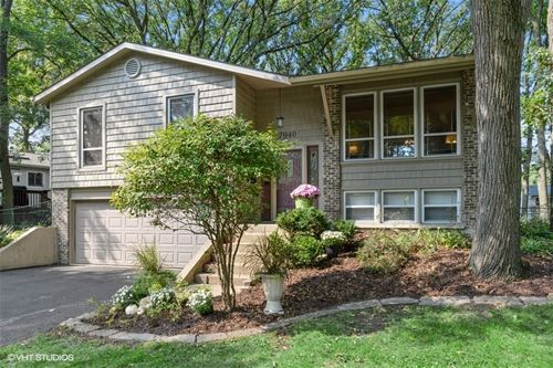 7940 Oakview, Woodridge, IL 60517