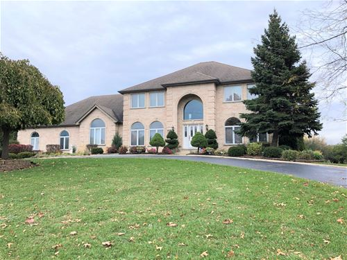 4N385 St Andrews Trace, West Chicago, IL 60185