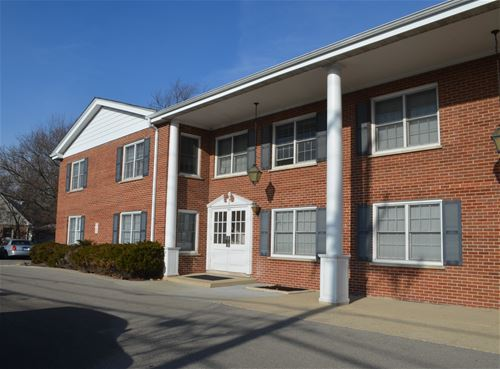 2818 Dundee Unit 3A, Northbrook, IL 60062