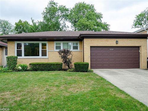 4228 Suffield, Skokie, IL 60076