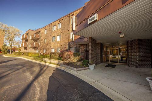 898 Wellington Unit 201, Elk Grove Village, IL 60007