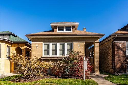 6137 N Rockwell, Chicago, IL 60659