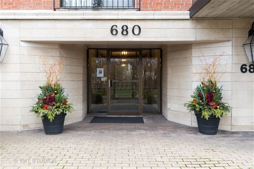 680 Green Bay Unit 306, Winnetka, IL 60093