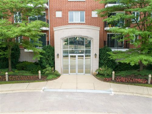 351 Town Unit 302, Buffalo Grove, IL 60089