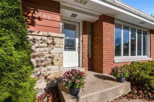 2502 Central, Glenview, IL 60025