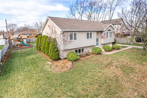 9218 Meade, Oak Lawn, IL 60453