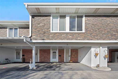 11 Cour Deauville, Palos Hills, IL 60465