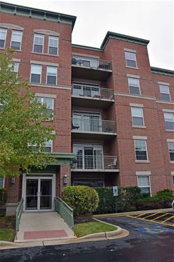 132 W Johnson Unit 402, Palatine, IL 60067