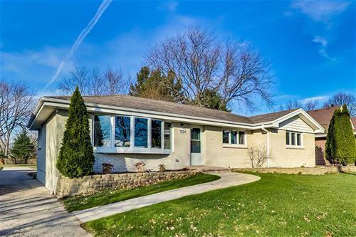 1324 N Wilke, Arlington Heights, IL 60004