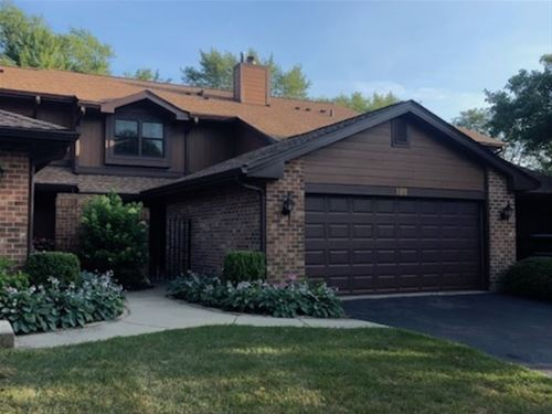109 Indian Trail, Westmont, IL 60559