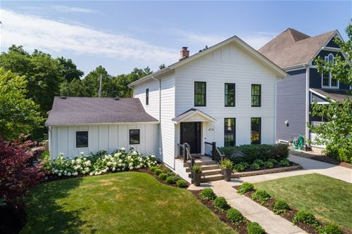 414 W Benton, Naperville, IL 60540